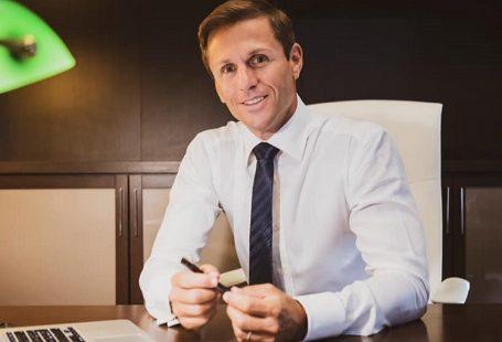 Angelo Greco, da avvocato a re del web